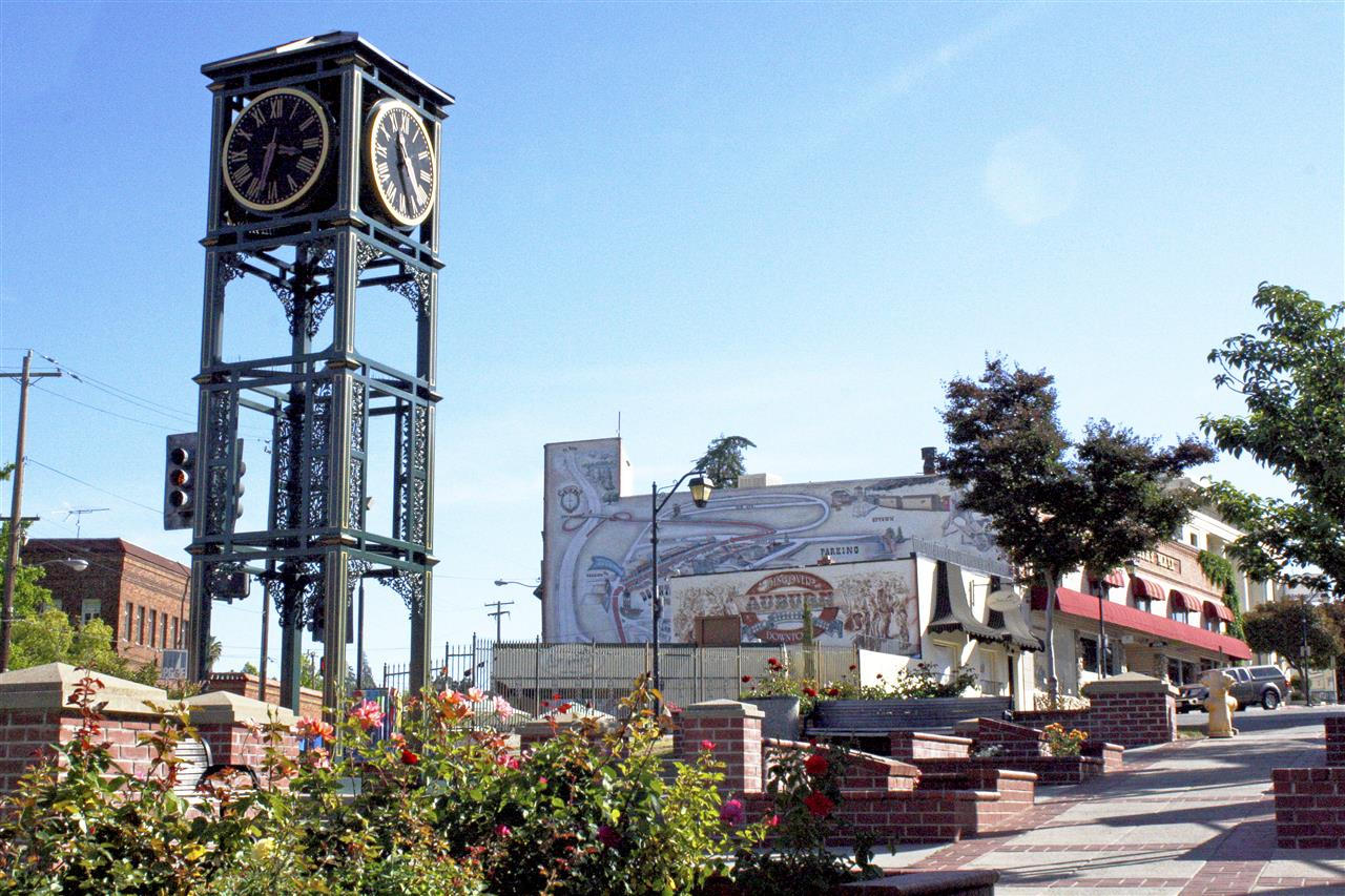 Beautiful clock tower and mural in Downtown Auburn. #lyonrealestate #leadingrelocal