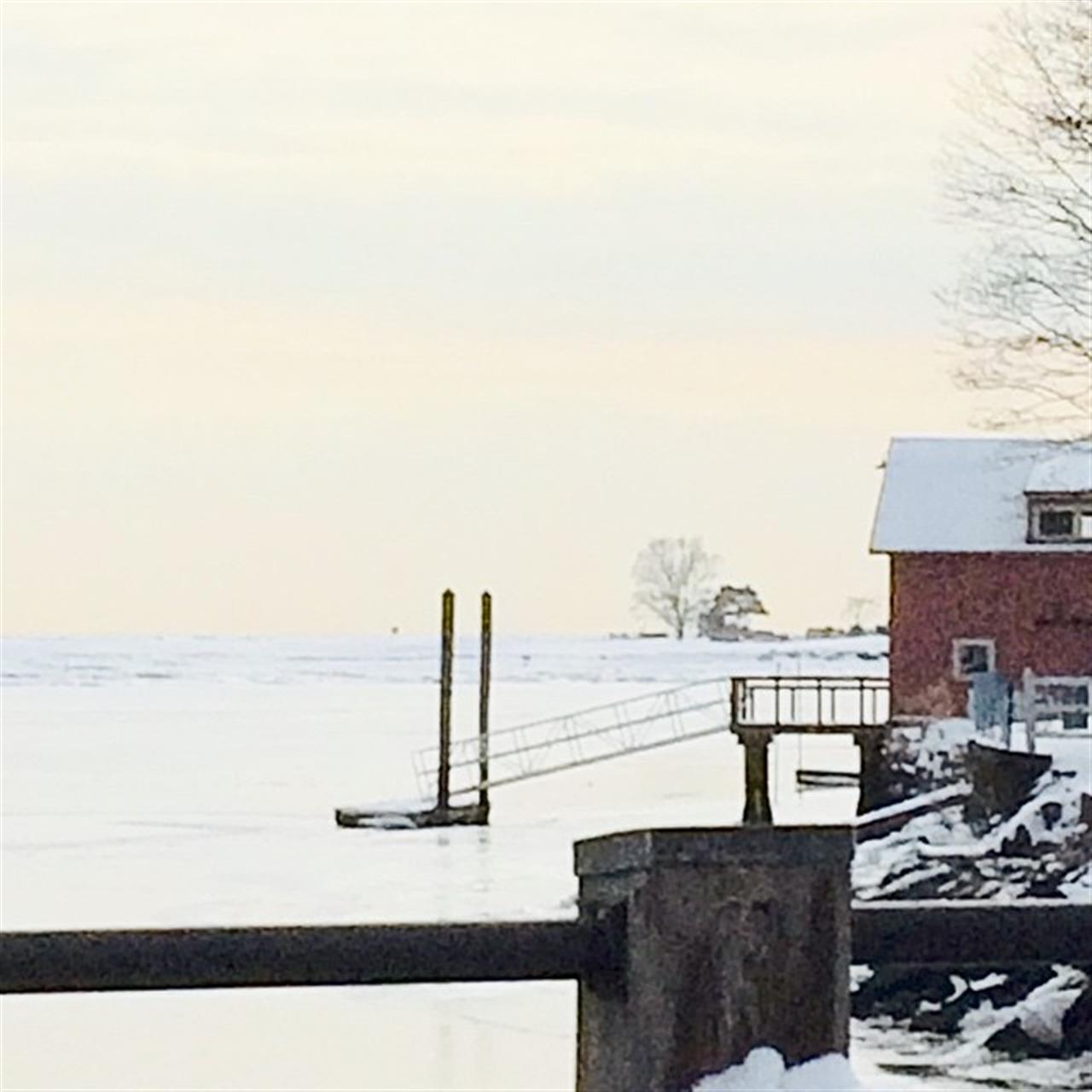 My favorite bridge in ice and snow. #ilovefairfieldct #sascocreek #sea #ski #coastalconnecticut #LeadingRELocal