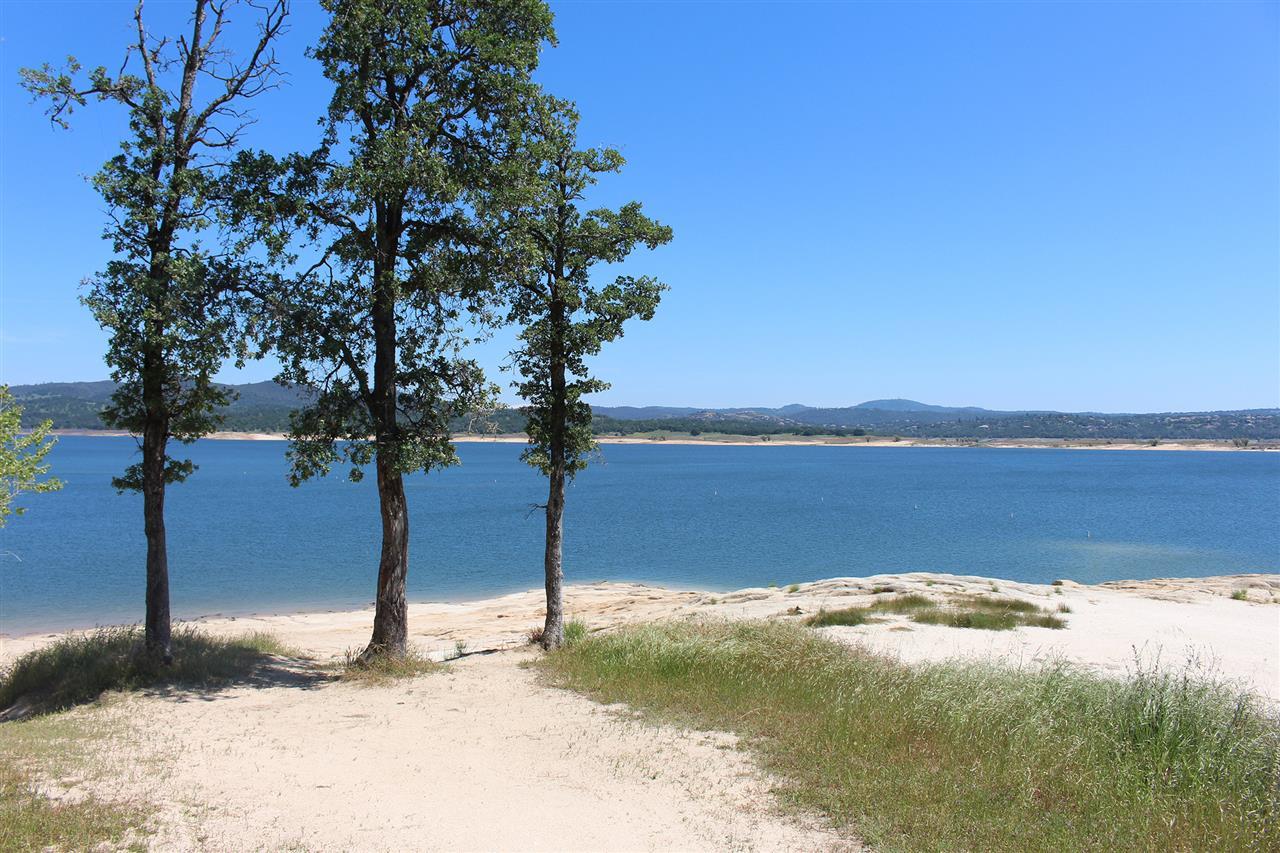 Folsom Lake located near El Dorado Hills.  #LeadingRELocal #LyonRealEstate