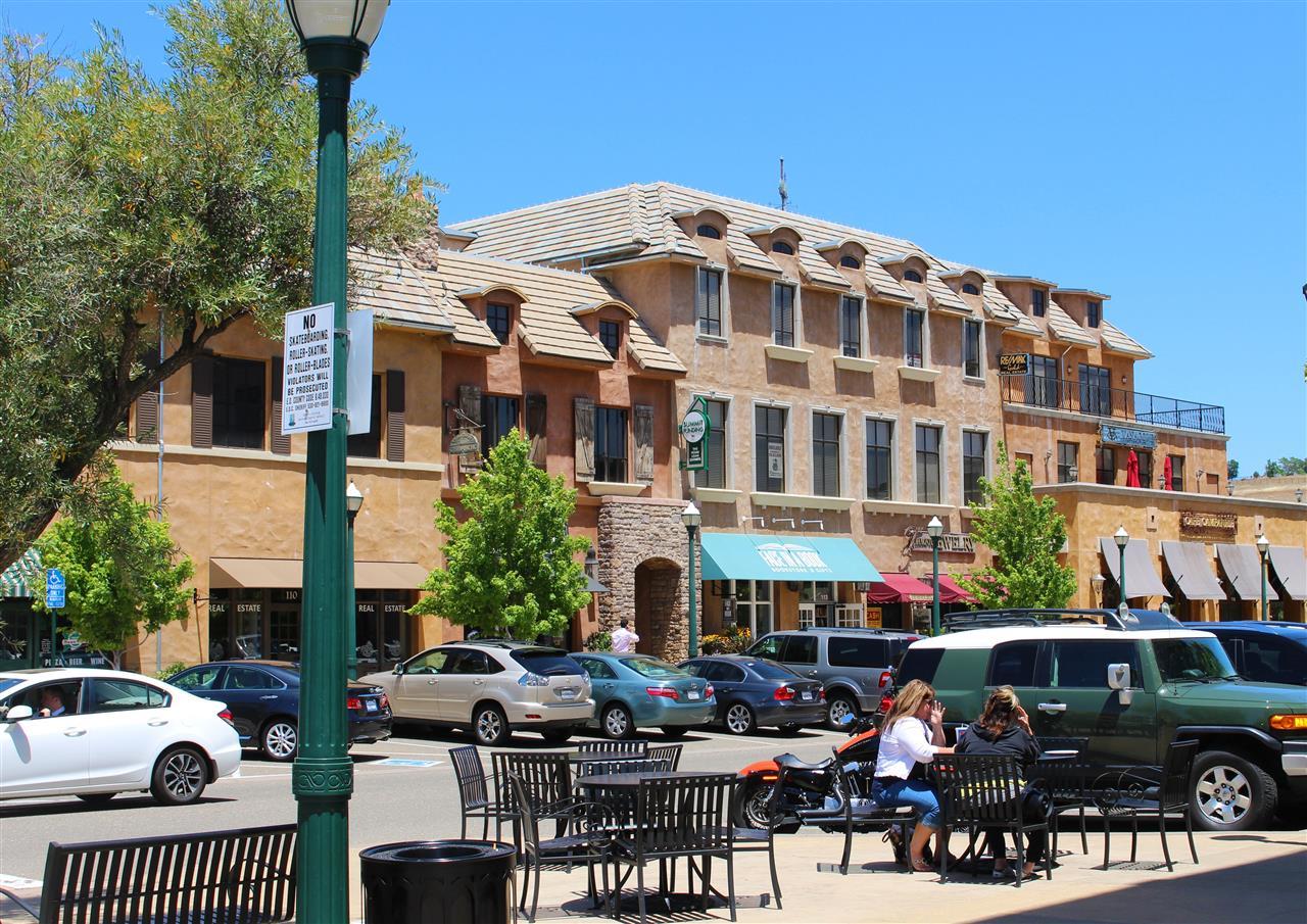 Shopping in El Dorado Hills, CA.  #LeadingRELocal #LyonRealEstate