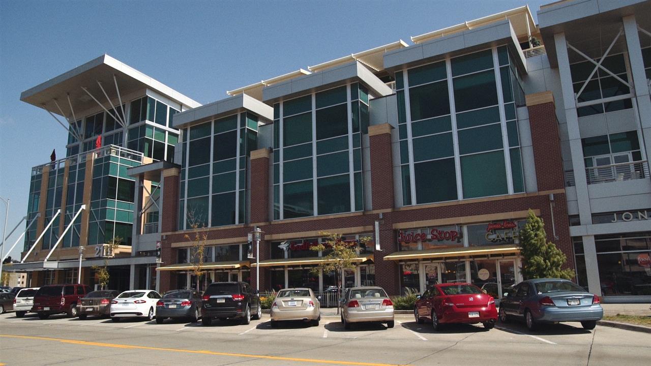 Aksarben Shopping Center
