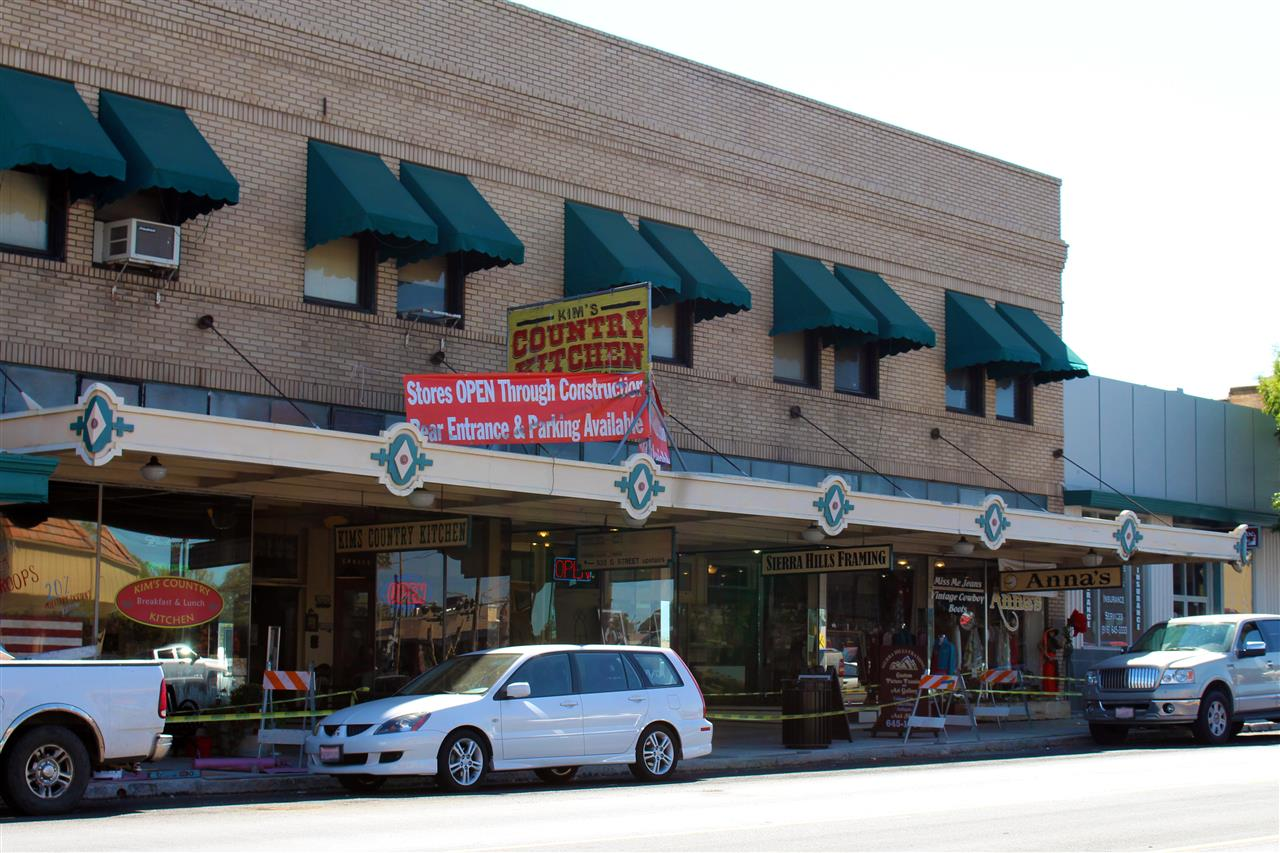 Great local shopping in Downtown Lincoln, CA. #LeadingRELocal #LyonRealEstate