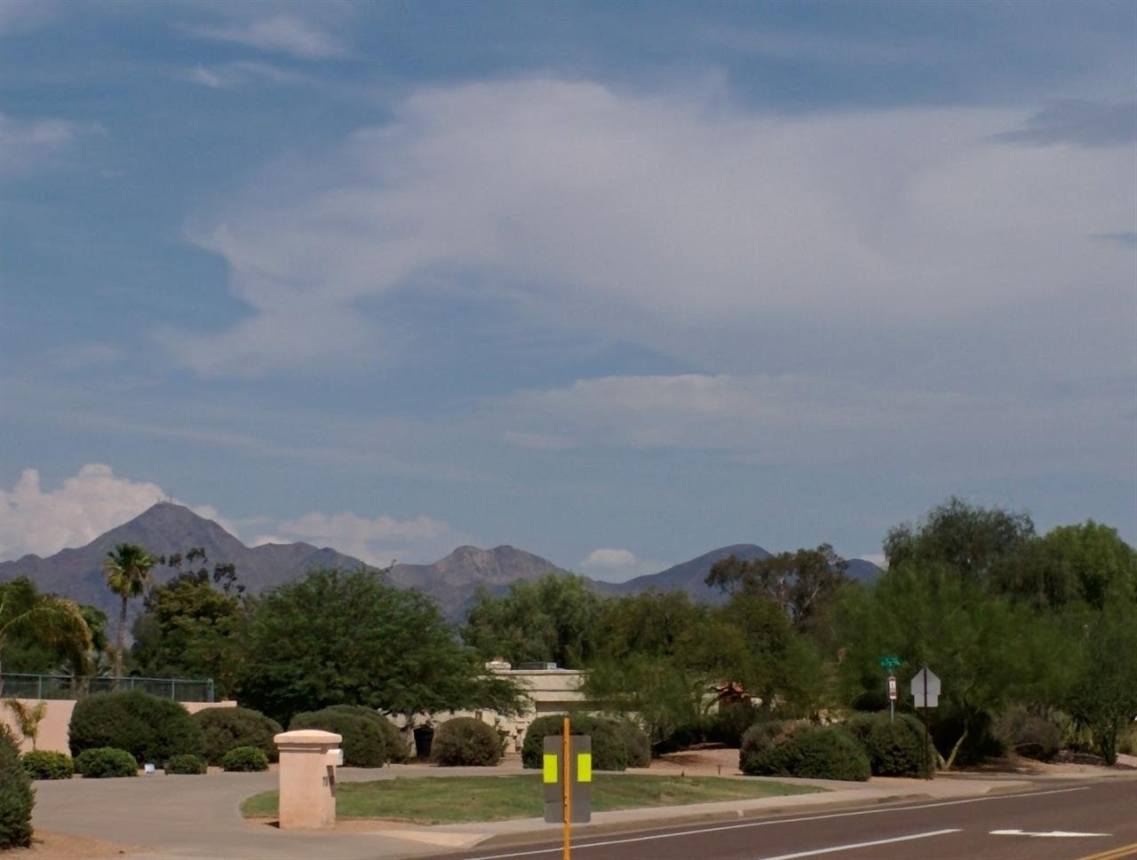 Buenavante subdivision with McDowell Mountains in Scottsdale, AZ