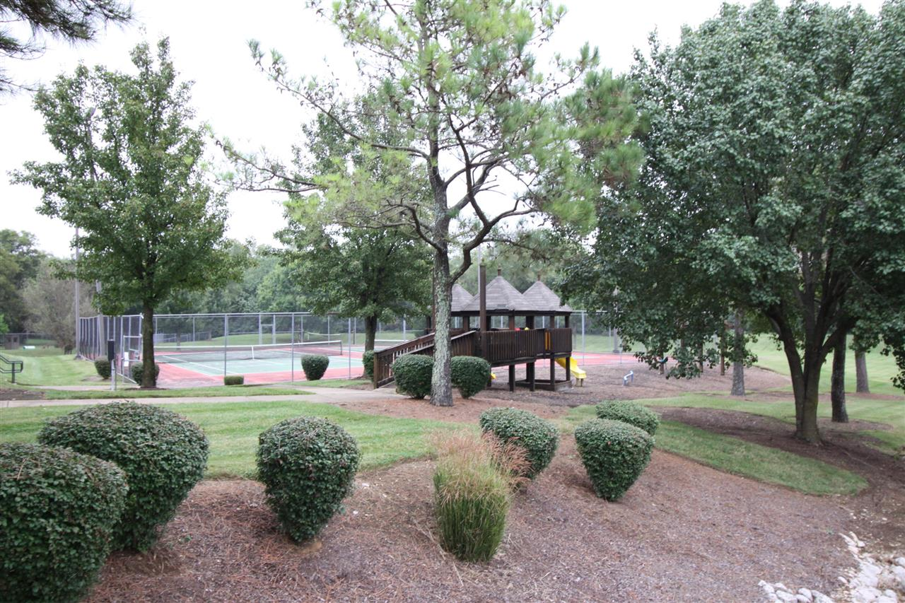 The Villages at Spring Hill: Apartments in Spring Hill, TN Park Area