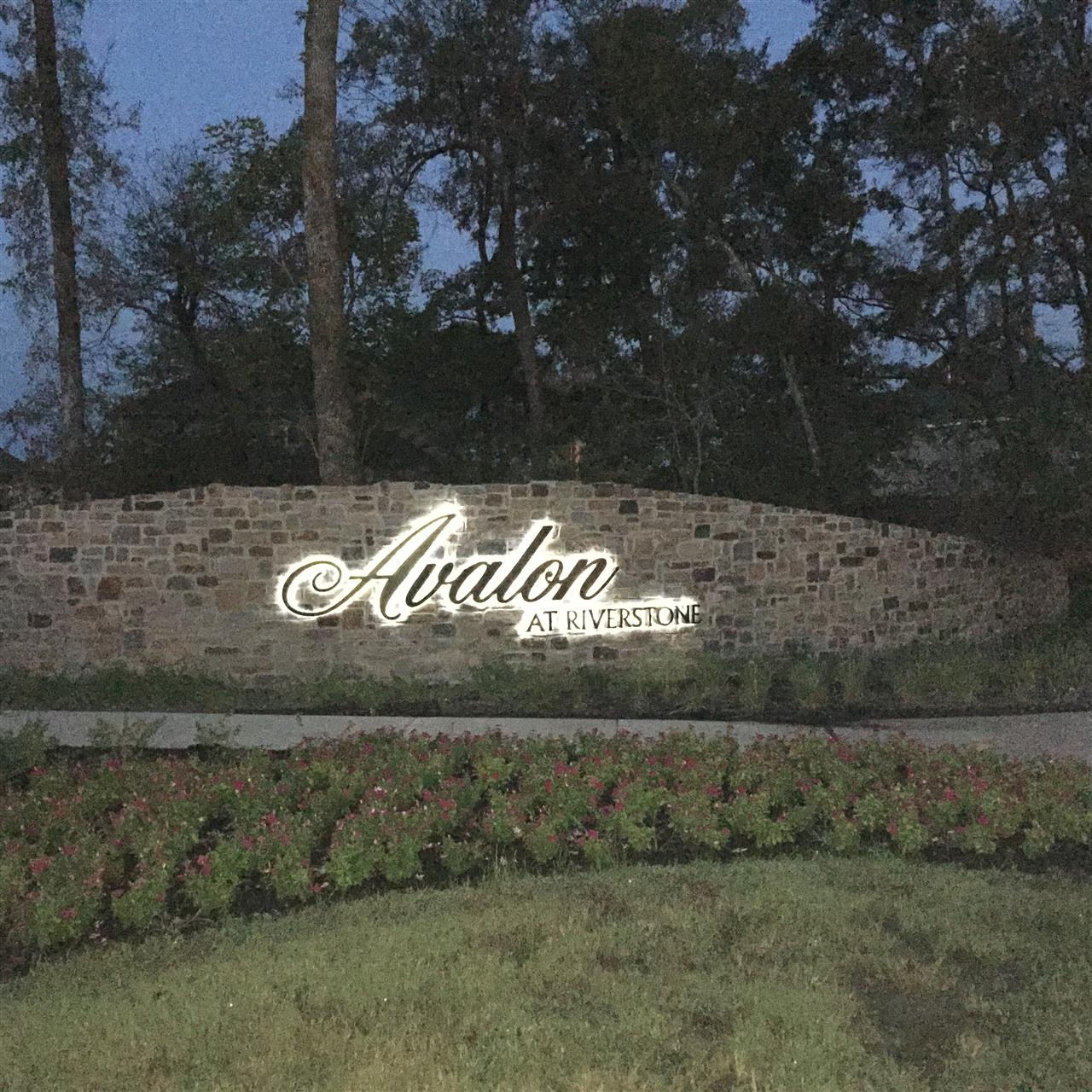 Entry for Avalon at Riverstone.  Sugar Land, TX