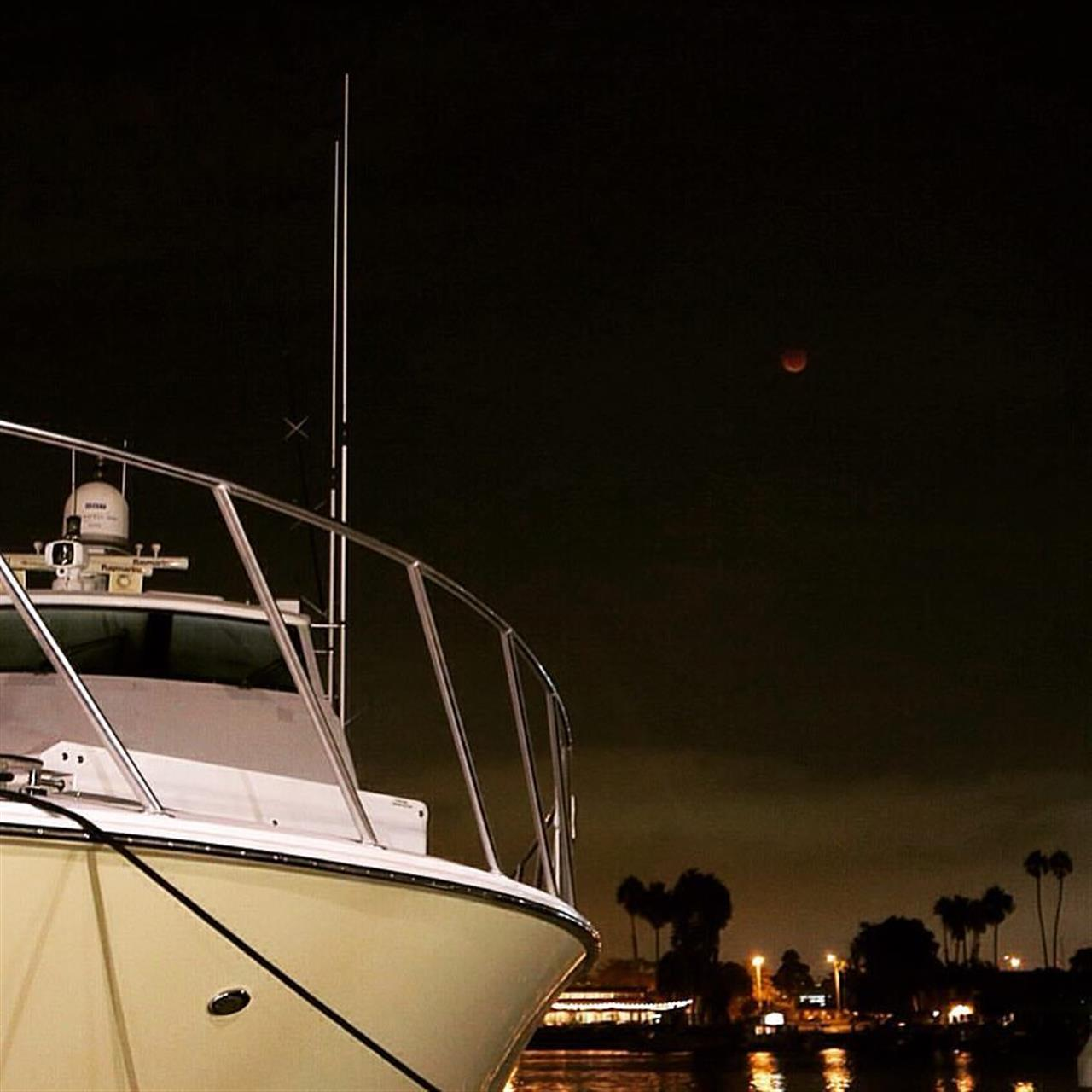 """Blood Moon"" sighting in Marina del Rey, Los Angeles, CA"