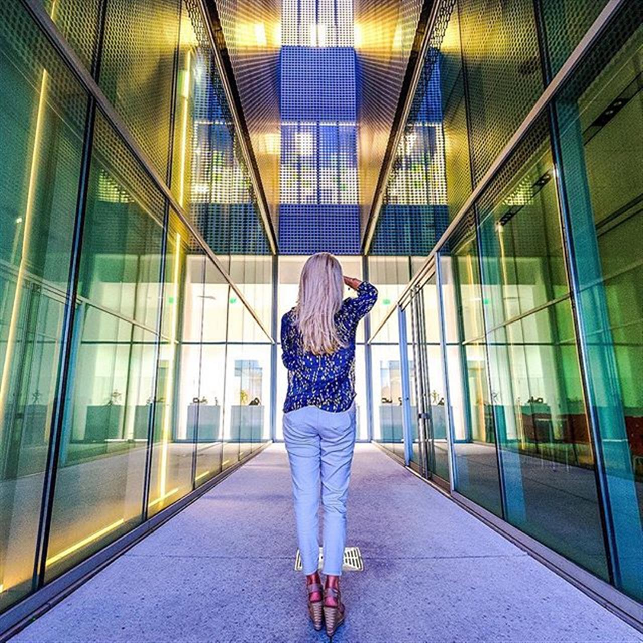 This has to be one of my favorite photos ever and you can't even see my face snapping photos and learning from the best at #tampamuseumofart  Photo credit ? @weatherby.photography.  #igerstampa #tampa #downtowntampa #downtownliving #tampaliving #leadingrelocal