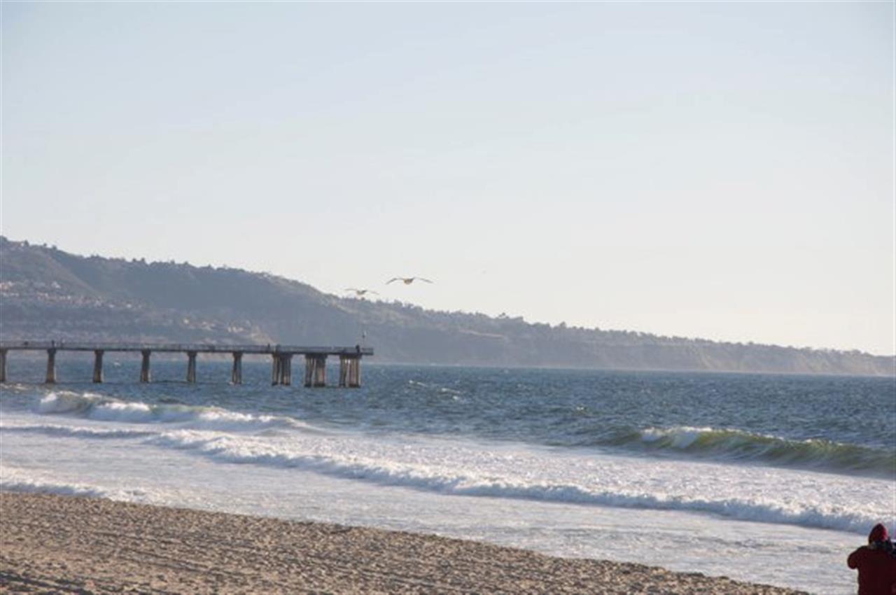 Hermosa Beach Pier, CA