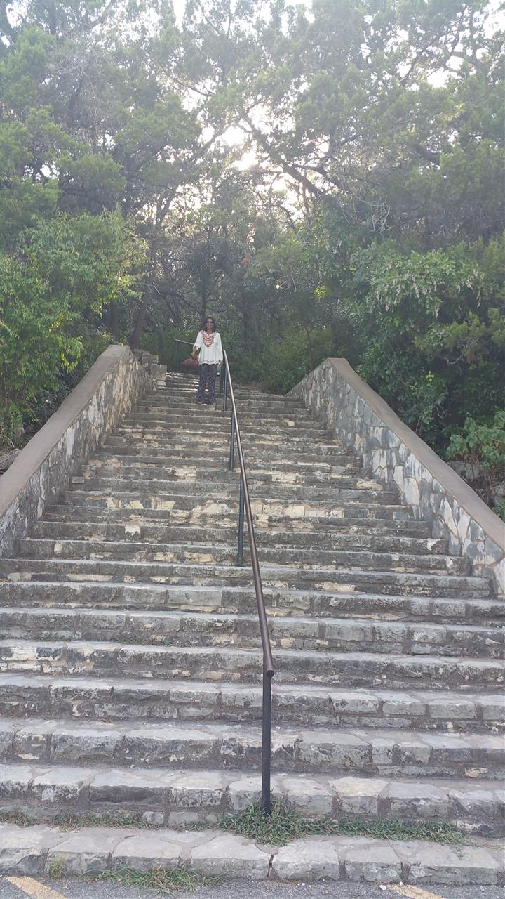 99 steps up to the top - Mount Bonnell