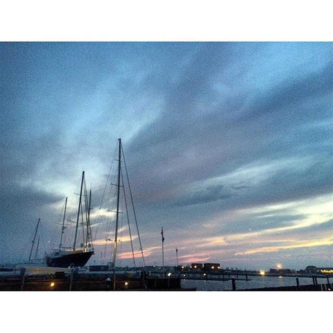Sunset over America's sailing capital Newport Ri #newport #rhodeisland #oceanstate #littlerhody #travel #sail #luxurylife #ocean #water #saltlife #leadingRE #christiesgreatestates #beauty #perfect #enjoylife