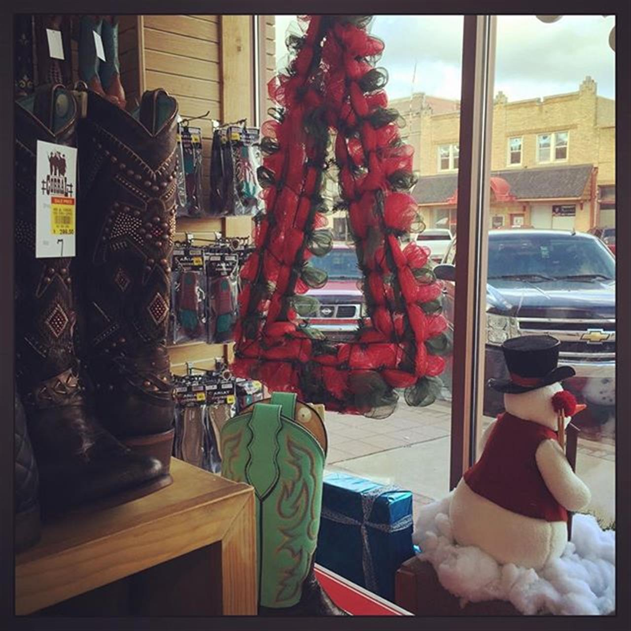 #oklahoma #boots #cowboychristmas #cowgirlboots #oklahomalife #westernwear #realestate #ranches #realestate Call #themillerdreamteam #Conniemiller #vjmiller #mdtrealestate #leadingrelocal