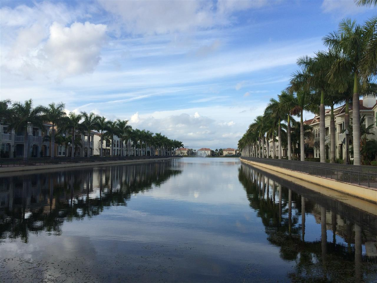 Artesia by Minto in Sunrise - the Grand Canal