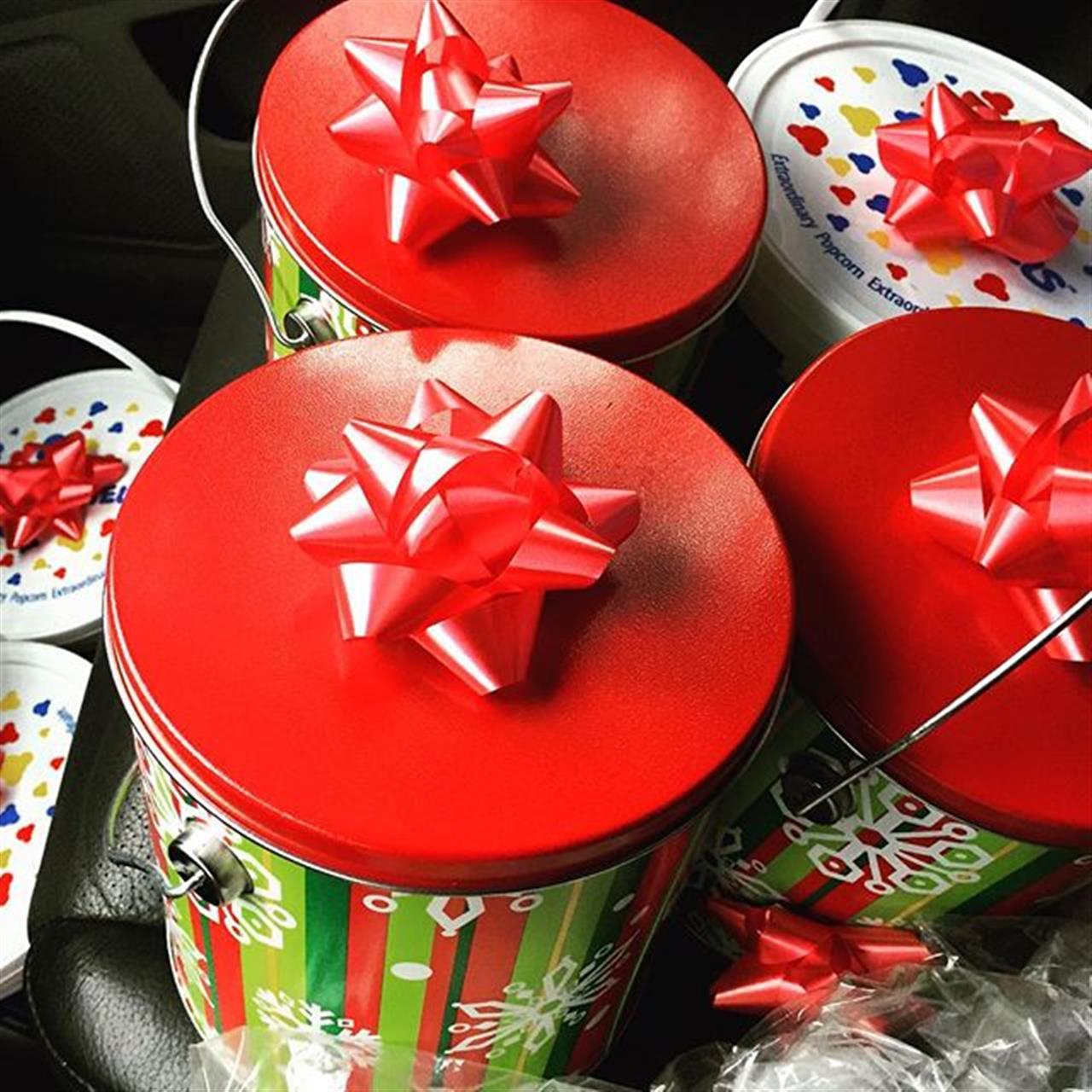#christmas #deliveringtreats #day5 #realestate #leadingrelocal #oakbay #festive