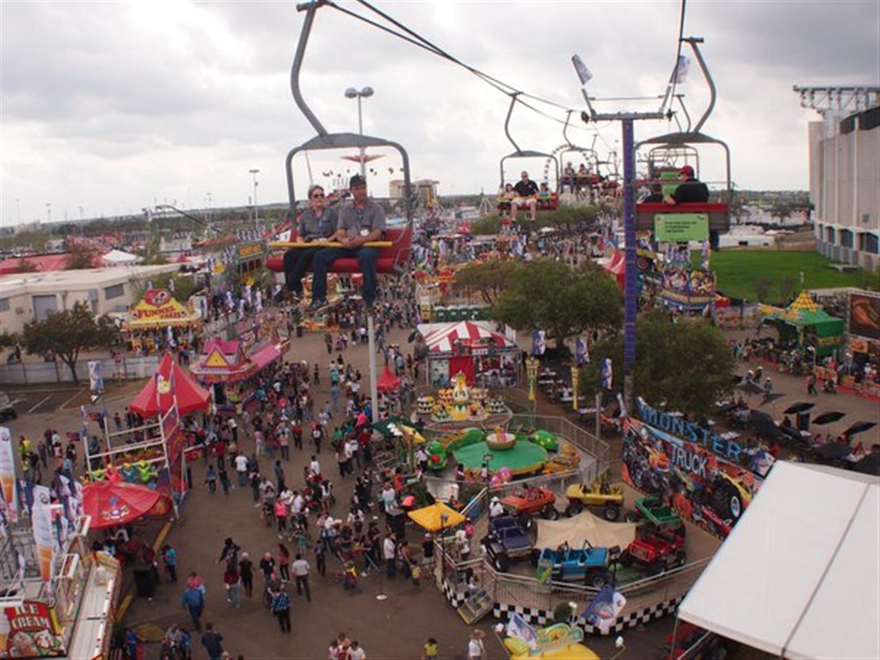 Houston Rodeo carnival rides #LeadingRELocal