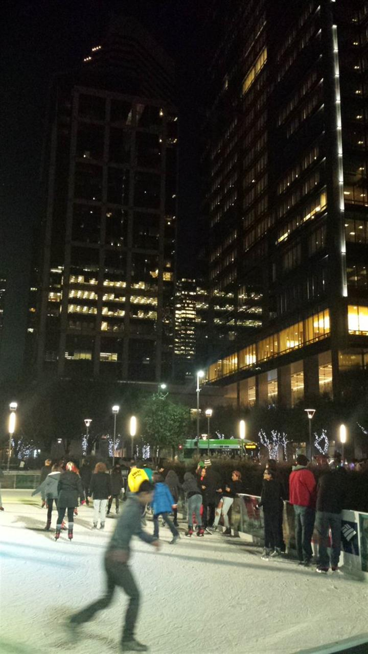 Ice skating at Discovery Green in Houston #LeadingRELocal