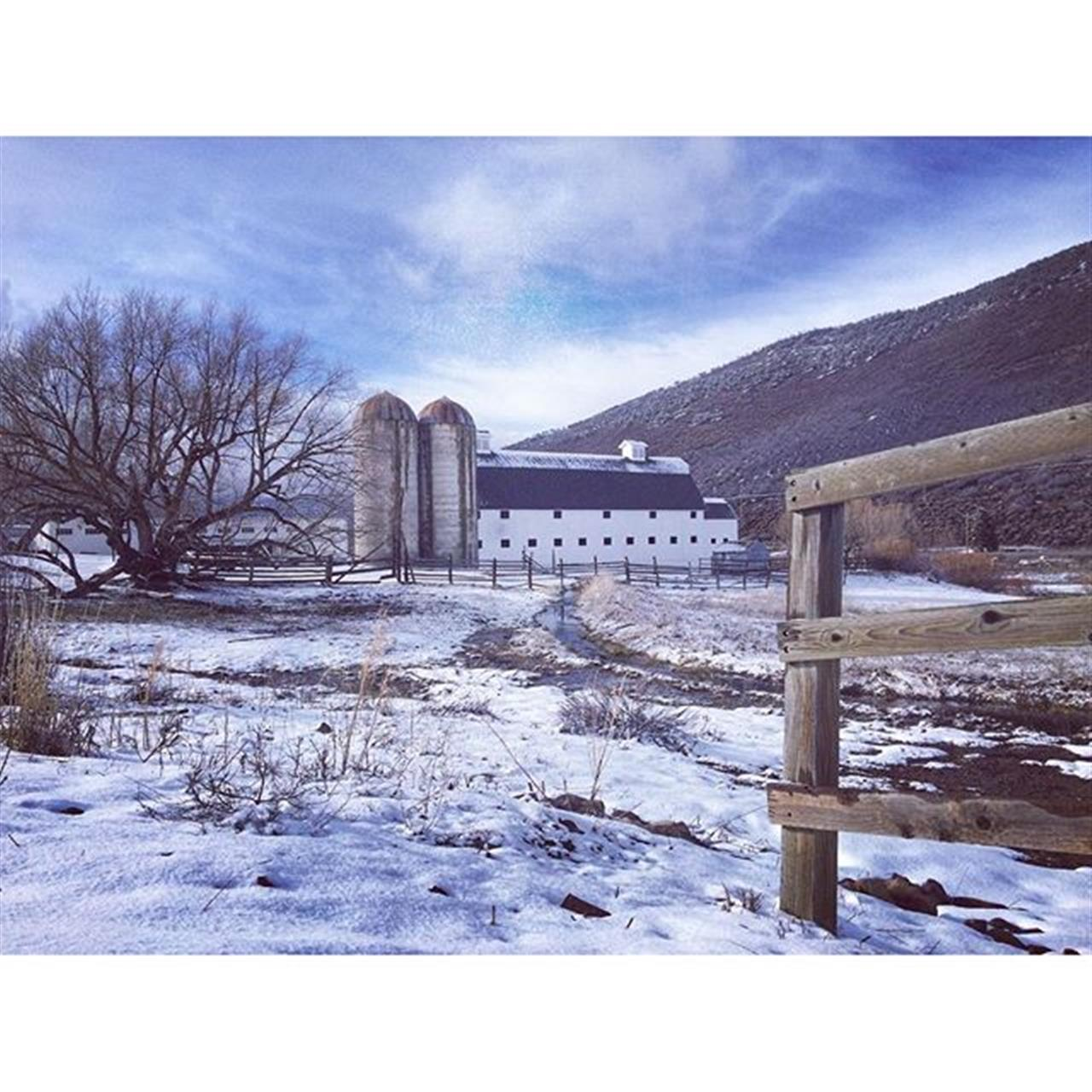 Spring in Park City! The iconic McPolin Farm. #lifeinparkcity #leadingrelocal #utahisrad #visitparkcity #parkcity #farm #barn