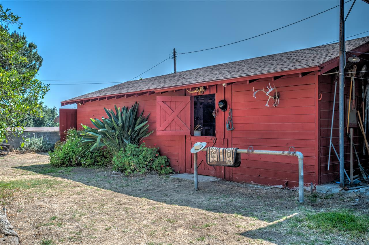 Altadena was once known for its family ranchitos. This is one reason why the urban farmers love our community so much. This 'backyard barn with 3 stalls and a tack room was built of cedar wood in 1954.