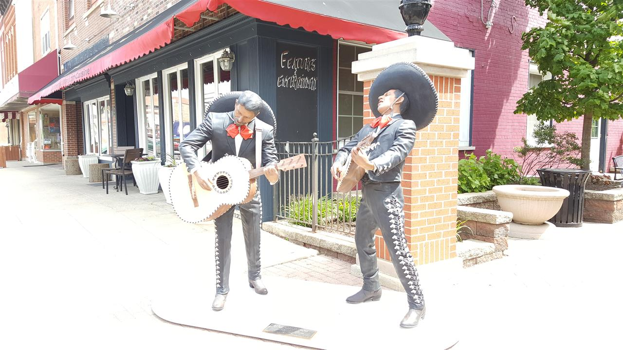 #Crown Point Indiana #Crown Point Square #2016 Sculptures #MariachiBand