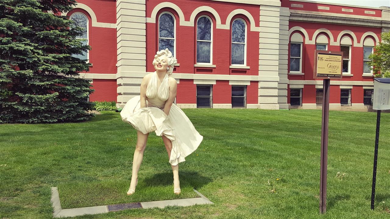 #Crown Point Indiana #Crown Point Square #2016 Sculptures #Marilyn