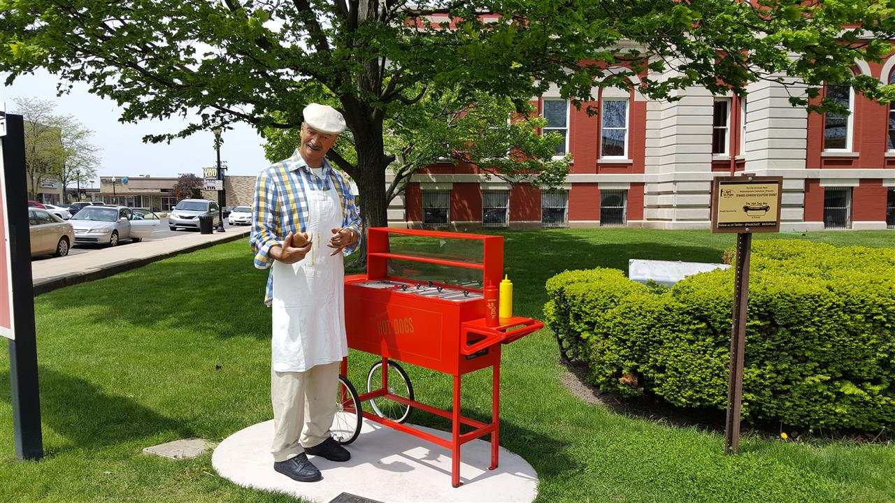 #Crown Point Indiana #Crown Point Square #2016 Sculptures #HotDogMan
