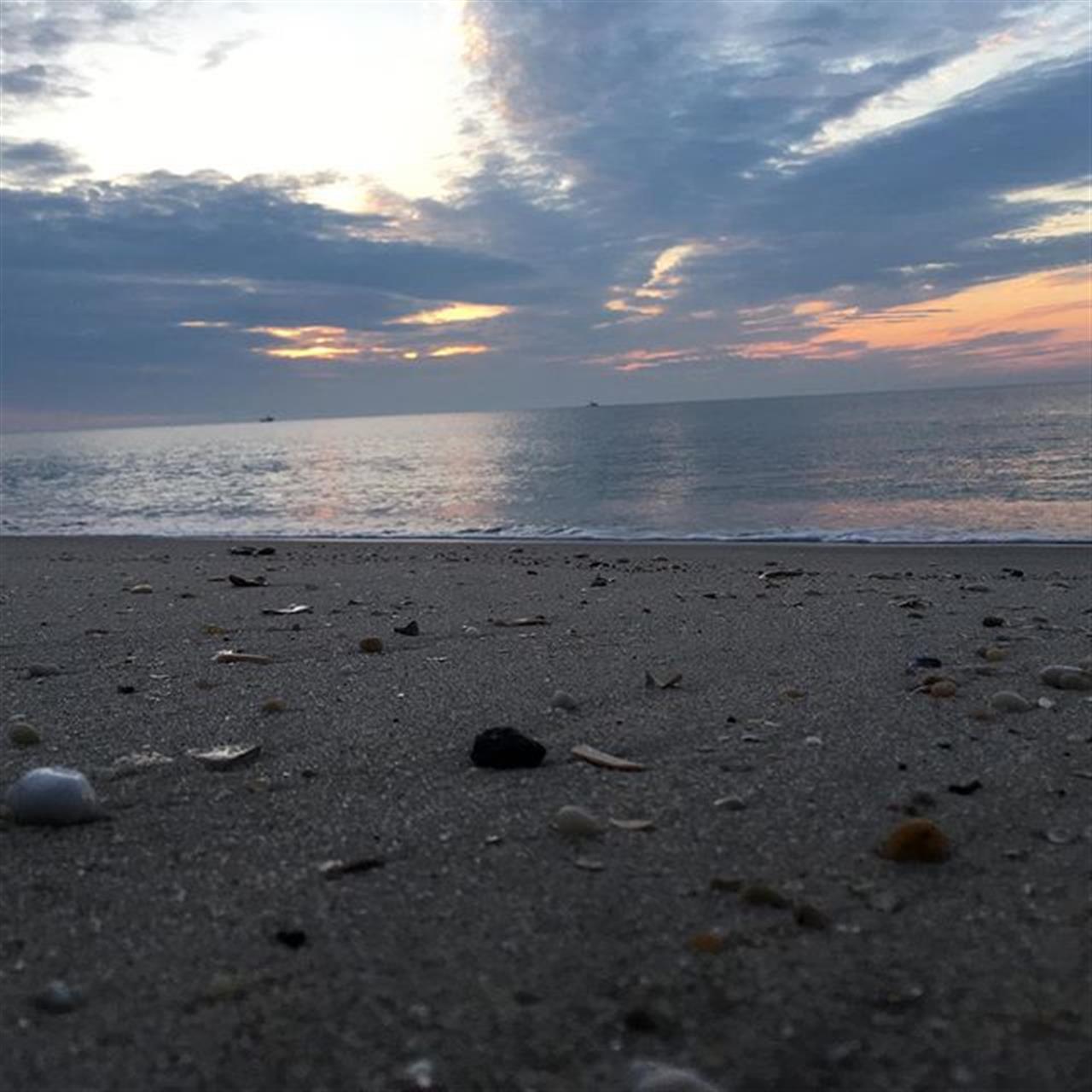 A nice sunrise in Bay Head... #bayhead #nj #sunrise #goodmorning #leadingrelocal #ilovebayhead