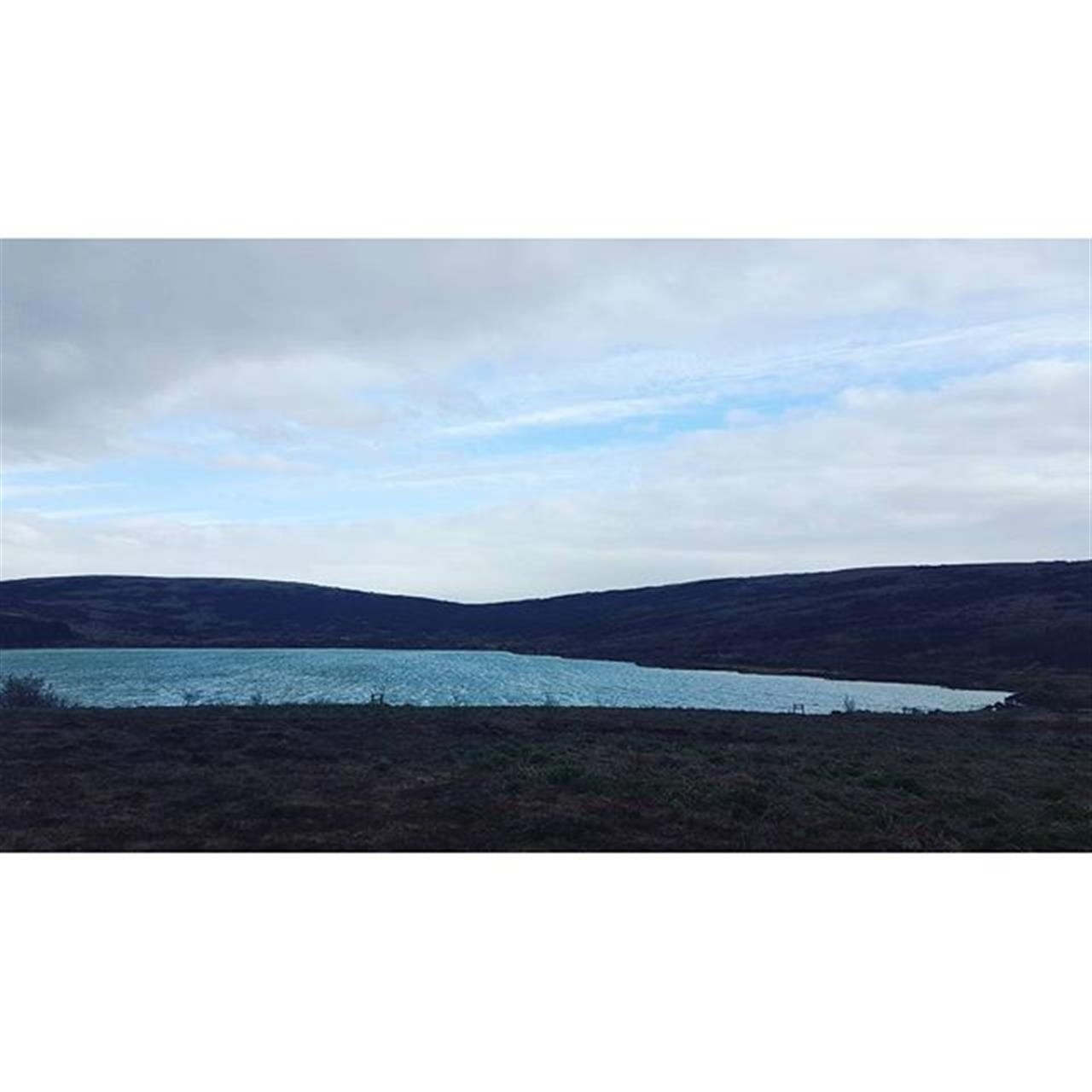 Dßsamlega VÝfilsstaavatn. Einn af mÝnum uppßhaldsst÷um. Wonderful VÝfilstaavatn. One of my favorite places.  #vifilstadavatn #lake #vatn #water #nattura #nature #sky #cloud #sk² #himinn #lÝfi #njota #enjoy #lifeisgood #life #leadingrelocal #leadingre