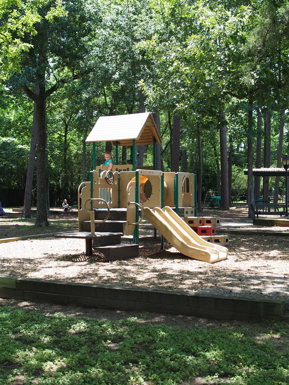 Hedwig Park is a great park right next to Spring Branch Memorial Library. It has trees, covered shelters with picnic tables. Kids will love the many different swings and play sets they have available. Very clean, quiet and safe.