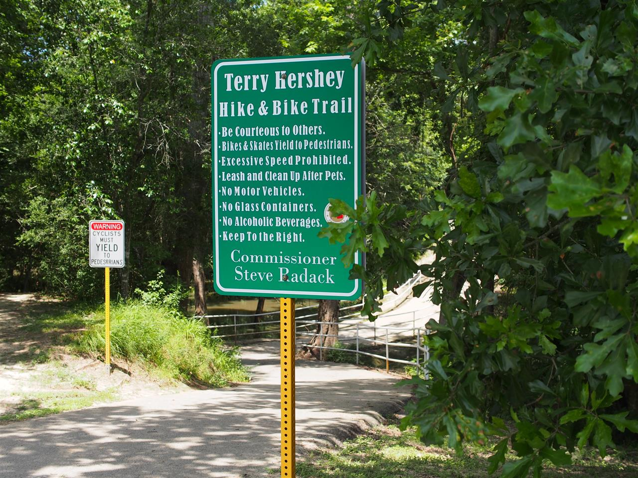 Terry Hershey Park is a county park that runs parallel to a 6 mile western stretch of the Buffalo Bayou from State Highway 6 to the Sam Houston Tollway. The park is a popular destination for residents living in the neighborhoods along the park.