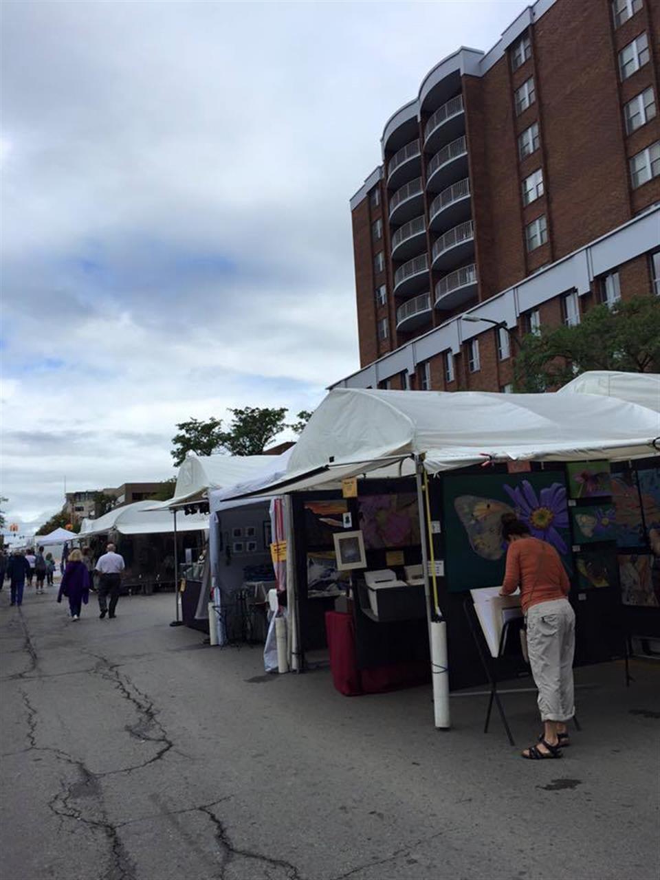 Commonground Street Art Fair lines the streets of Birmingham a weekend in September. #Birmingham #Michigan #LeadingReLocal