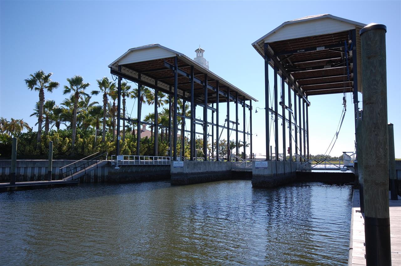 MiraBay boat lift Apollo Beach Florida
