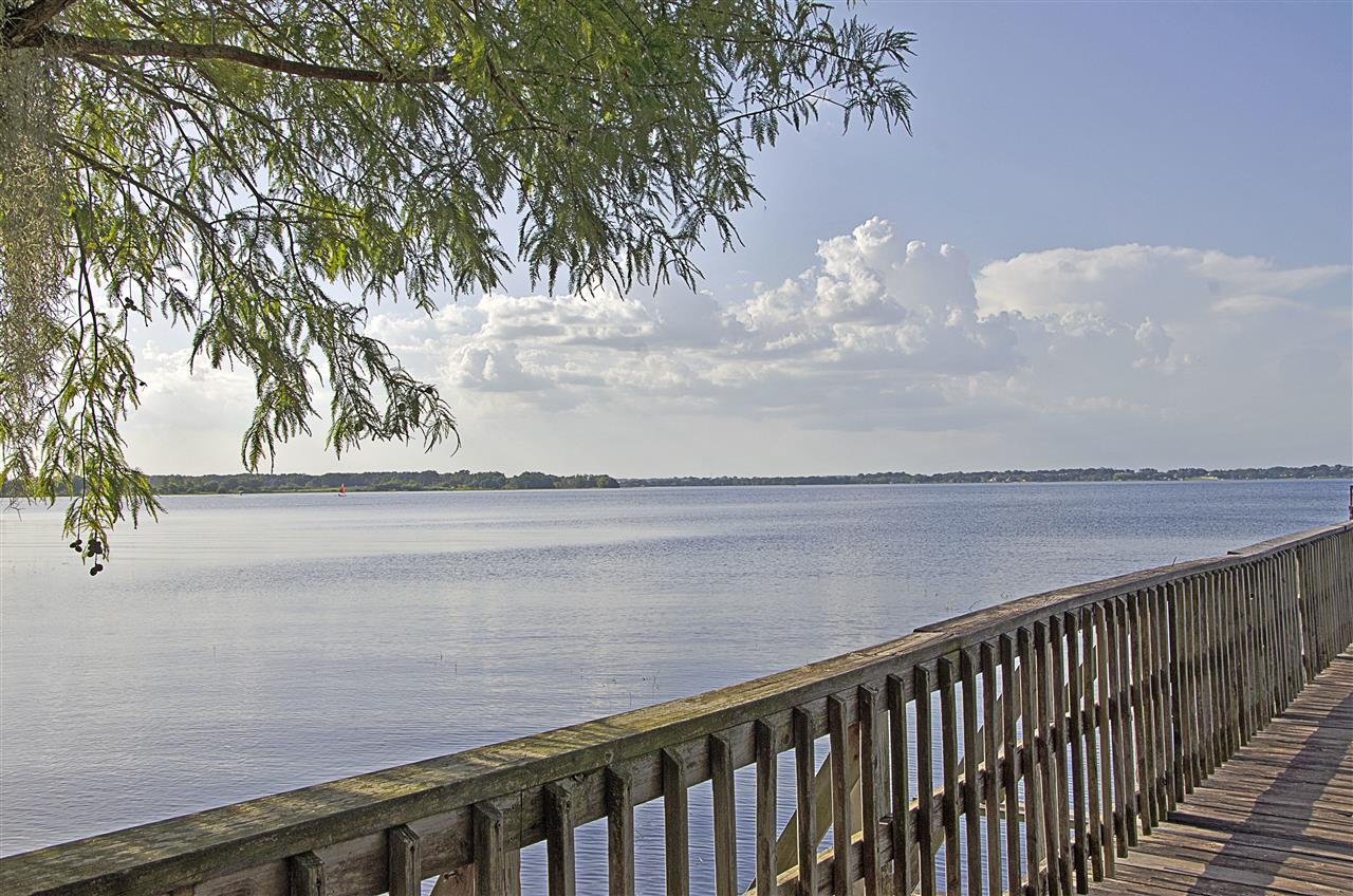 Clermont, FL_Attraction_Fishing Pier at Lake Minneola