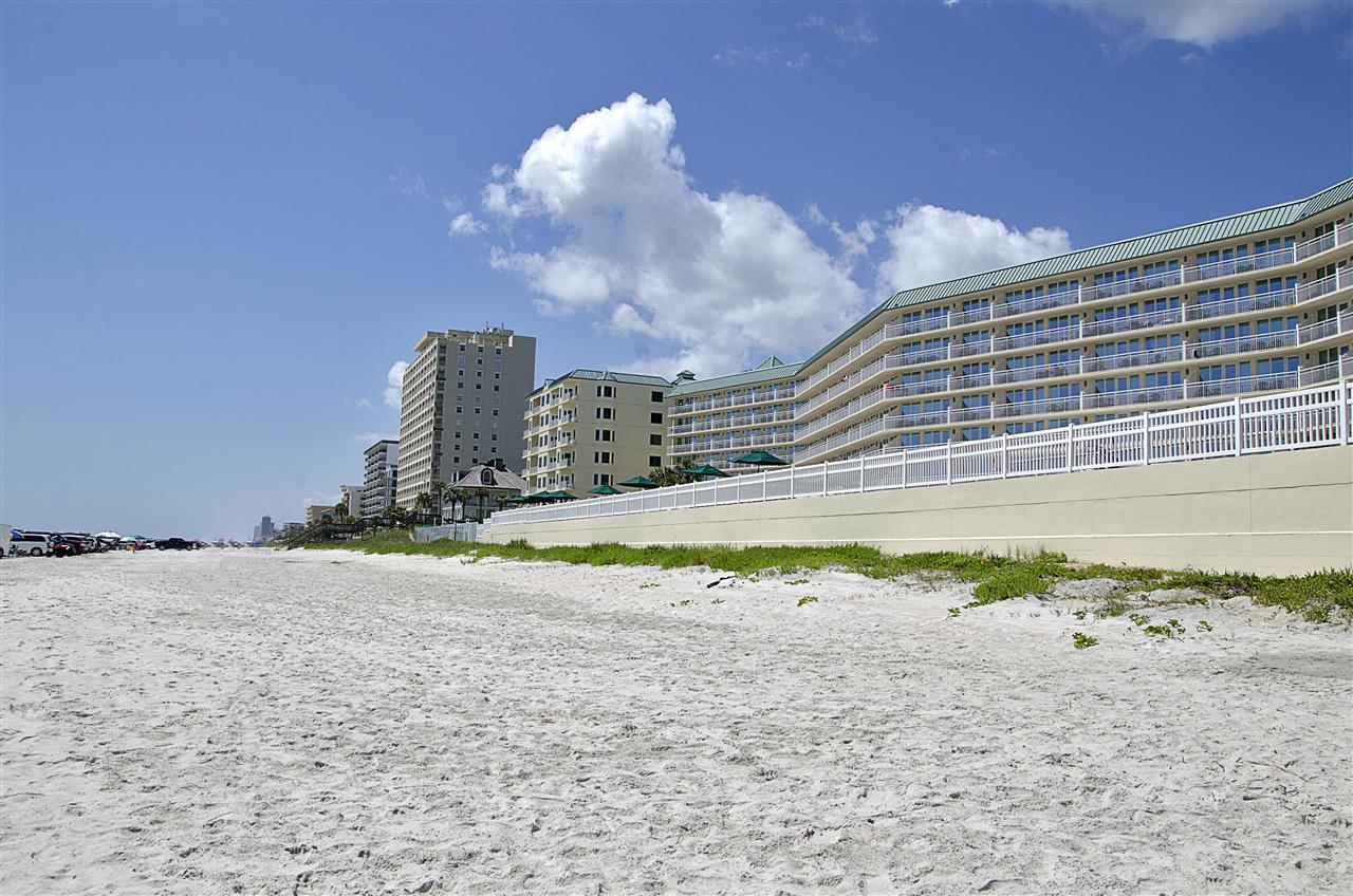 Daytona Beach, FL_Neighborhood_Condos on the beach