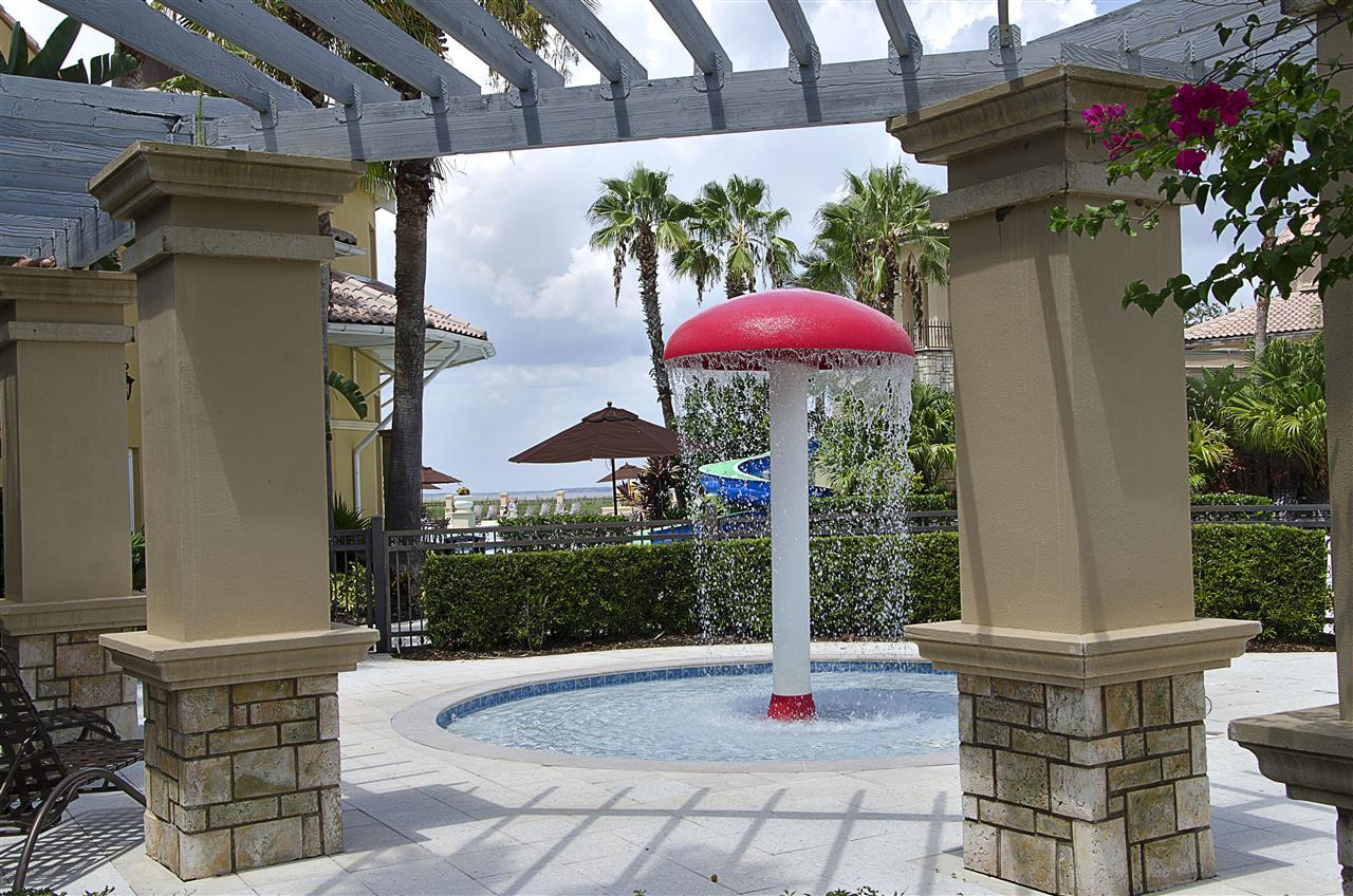 Kissimmee, FL_Neighborhood_Bella Lago kiddie pool