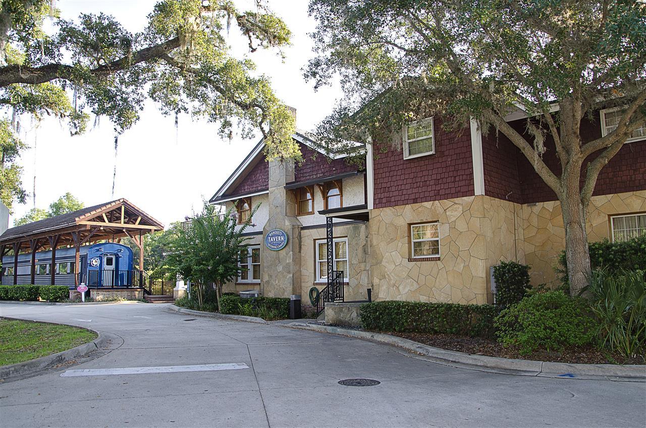 Port Orange, FL_Culture_Tavern