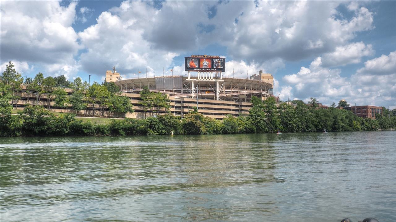 #NeylandStadium #Knoxville #Tennessee #KnoxvilleWaterfront #TennesseeRiver #FtLoudounLake