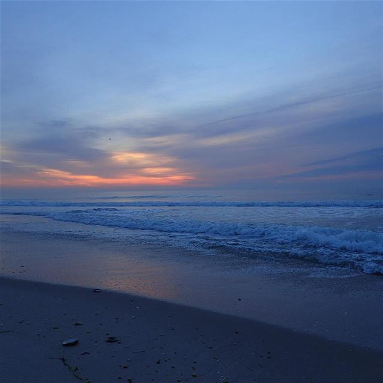 Life's a beach, among other things... :-) Have a good day! #sunrise #goodmorning #goodday #nj #beaches #jshn