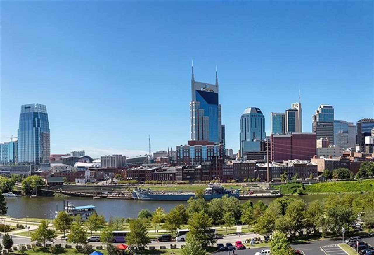 Fall is inching closer with this beautiful day in Music City! #musiccity #nashvilletn