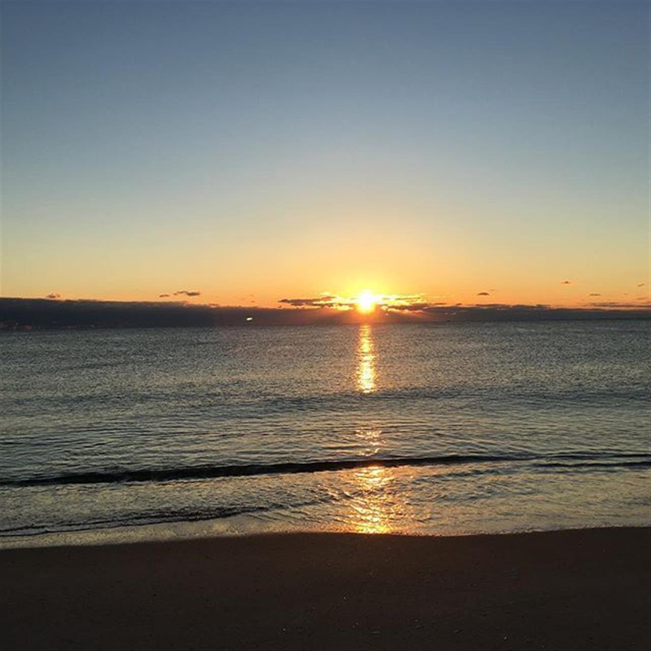 47 degrees at the  beach... #nj #goodmorning #sunrise #beaches  #jshn #leadingrelocal
