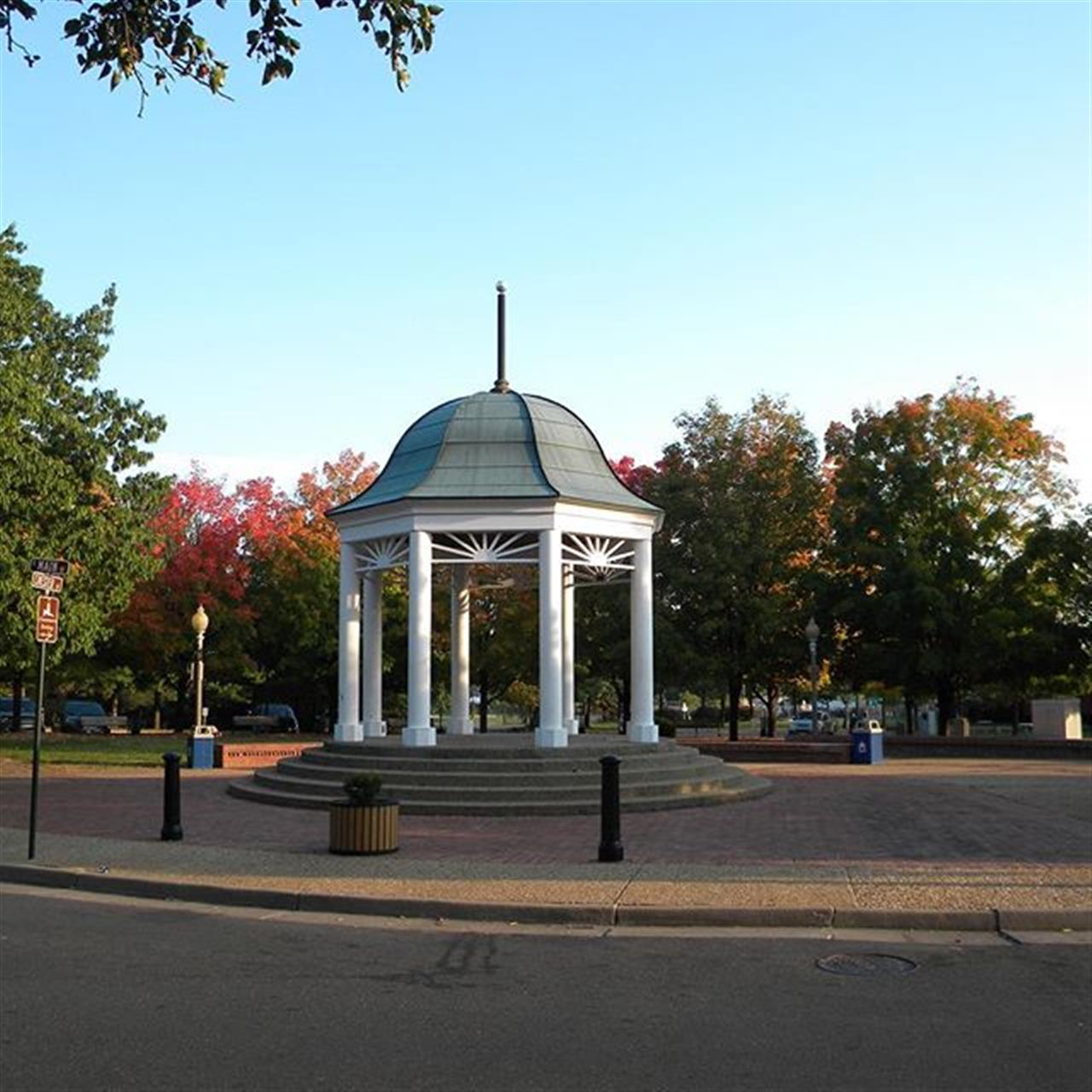 Town Square Gazebo, Main St in Front Royal, VA #leadingrelocal