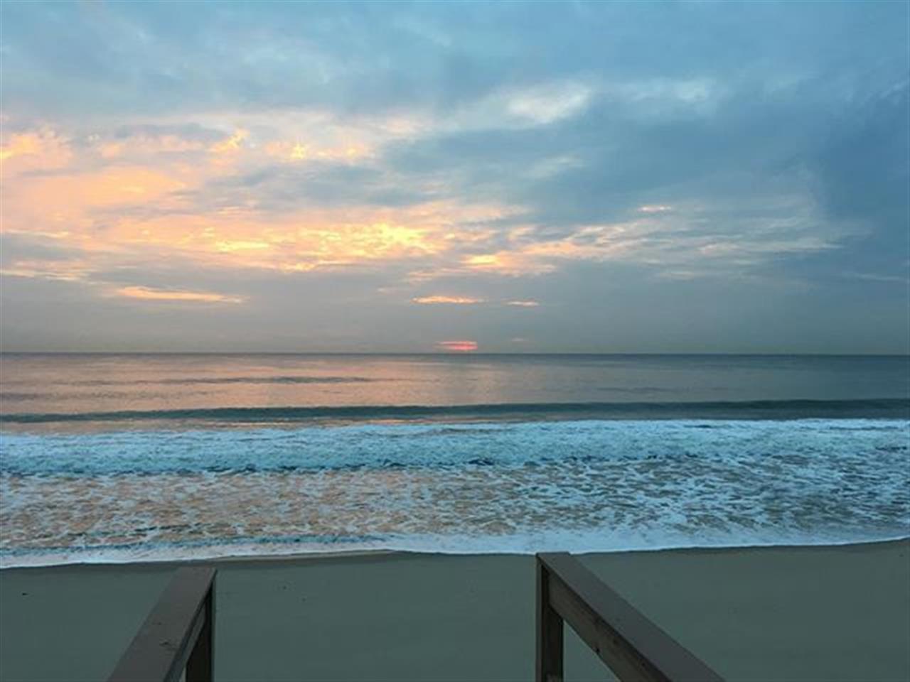 Sunrise at the beach... #nj #goodmorning #sunrise #beaches #jshn #leadingrelocal