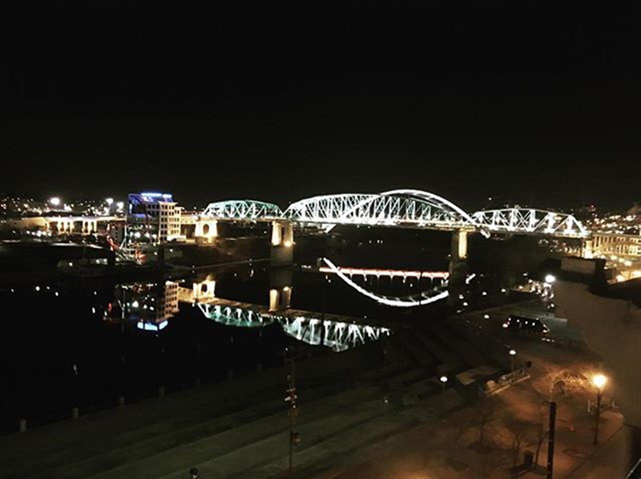 The John Seigenthaler Pedestrian Bridge connects downtown Nashville to the residential suburbs of East Nashville. The bridge was closed to automobile traffic in 1998 and has been restored for pedestrian use, providing outstanding views of the Cumberland River and the Nashville skyline ? #pedestrianbridge #downtownnashville #cumberlandriver #parksrealty #leadingrelocal