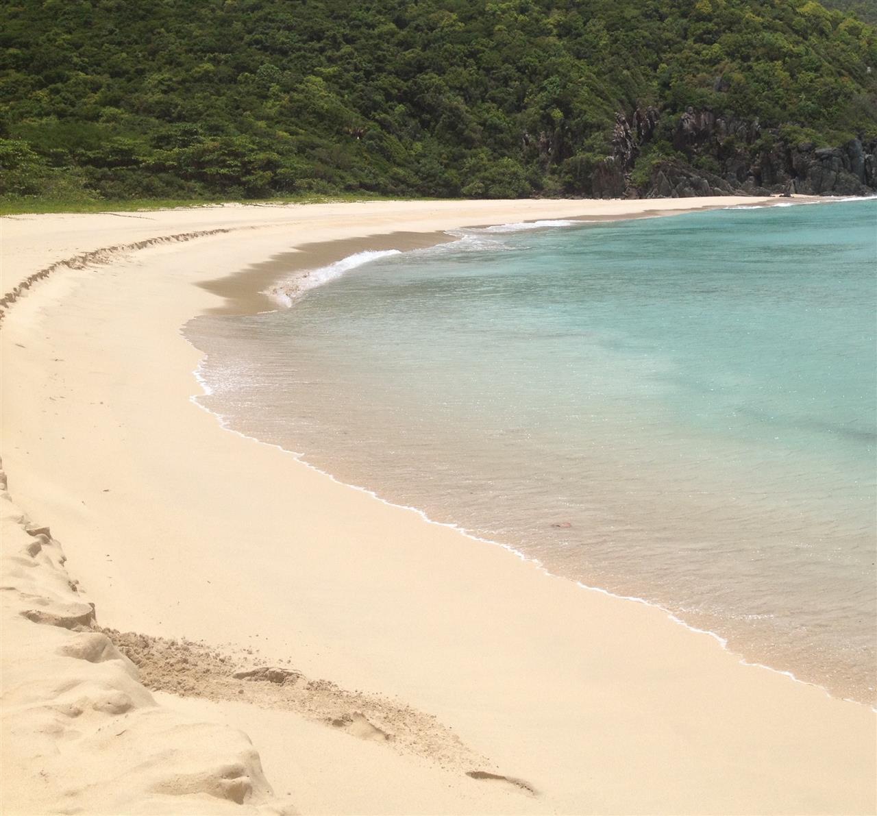 Rogues Bay, Tortola Courtesy of Smiths Gore BVI Ltd.