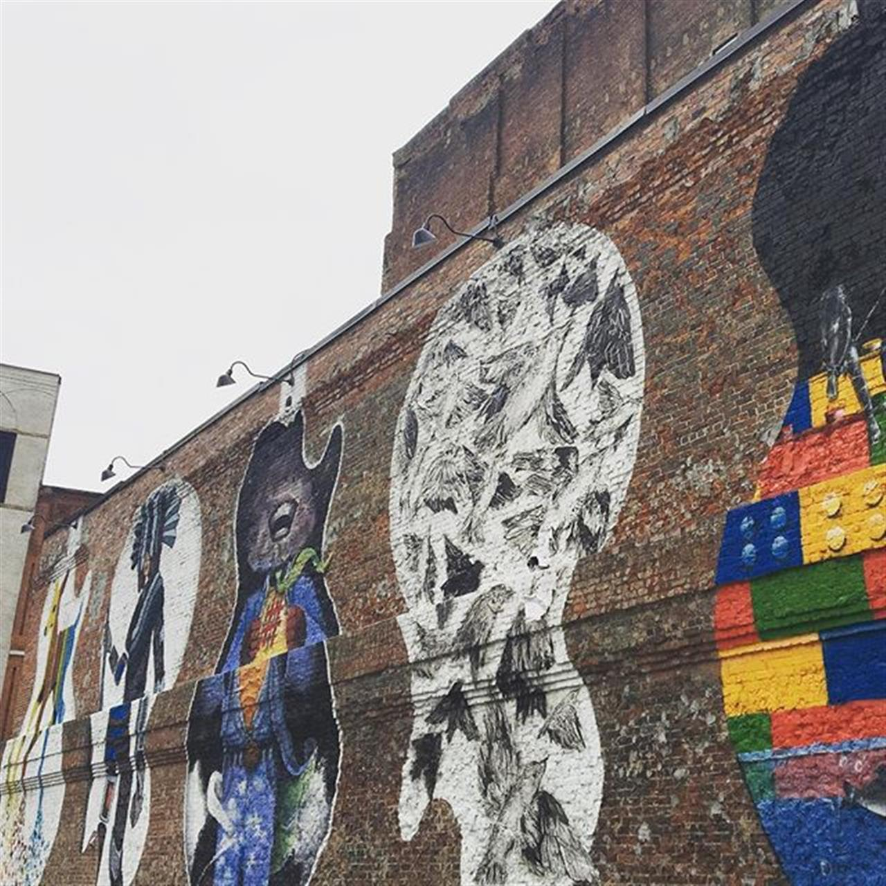 Wall art in Downtown Nashville featuring 5 murals each painted by local artists on 3rd and Church ? #localart #wallsofnashville #community #parksathome #leadingrelocal