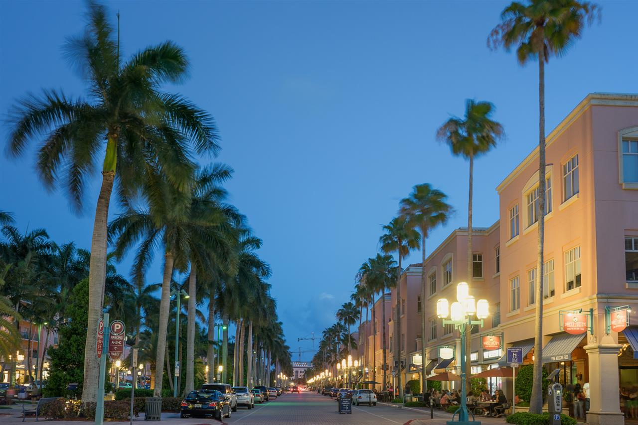 Boca Raton, FL - Mizner Park, the night is young
