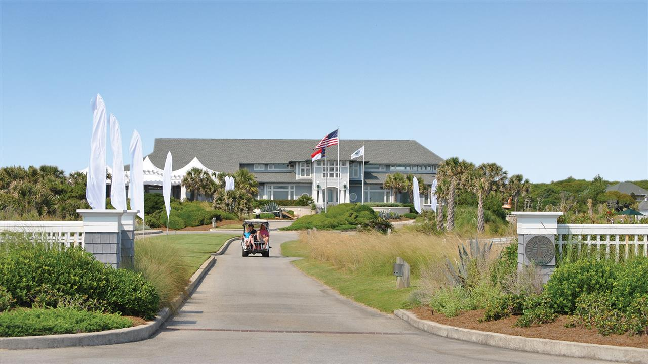 The Bald Head Island Club  provides many amenities for its members and guests - from golf, dining, swimming, tennis, events, weddings and more!