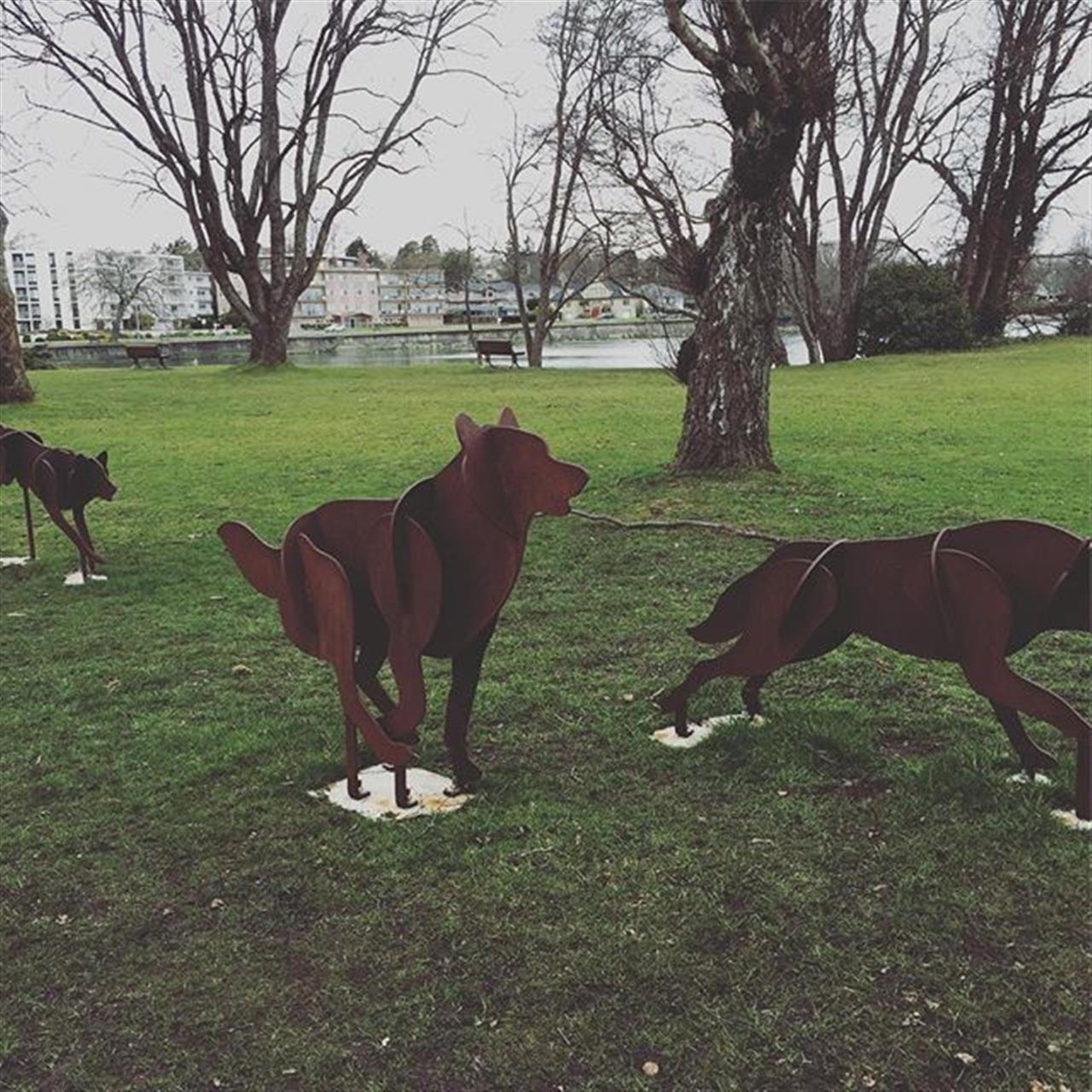 #wilddogs #oakbay #realtorlife #leadingrelocal #realestateagent #art