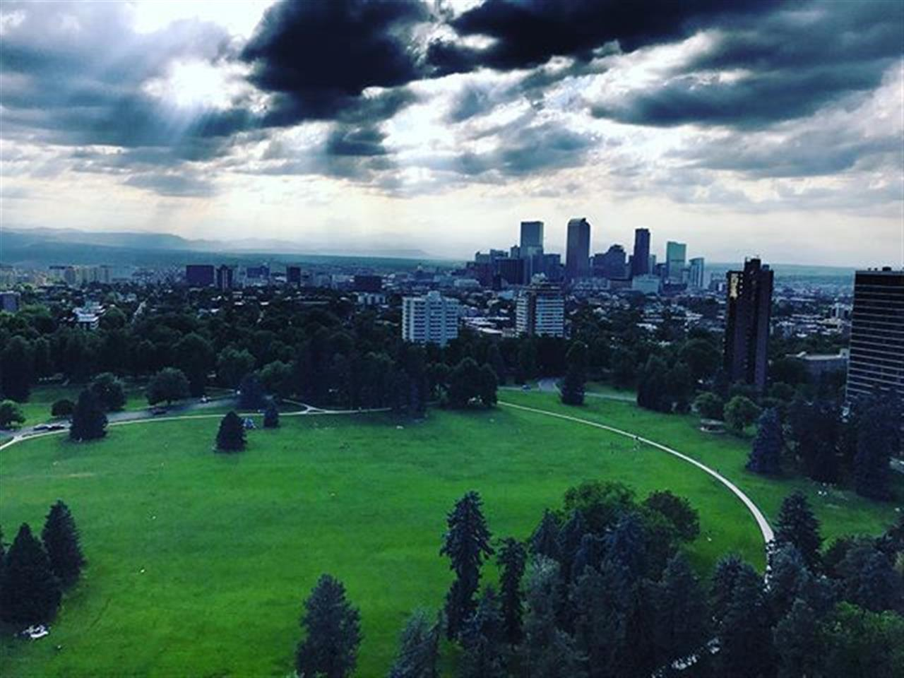 It's views like this of Cheesman Park that make us appreciate the Denver Lifestyle even more. #goexploredenver #denverlife #cheesmanpark #parks #moodysky #leadingrelocal