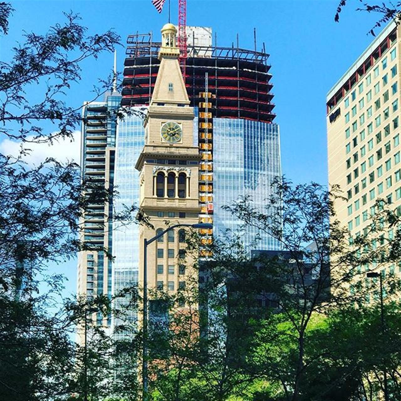 Downtown summer views. #summertime #downtowndenver #goexploredenver #16thstreetmall #lanniesclocktower #leadingrelocal