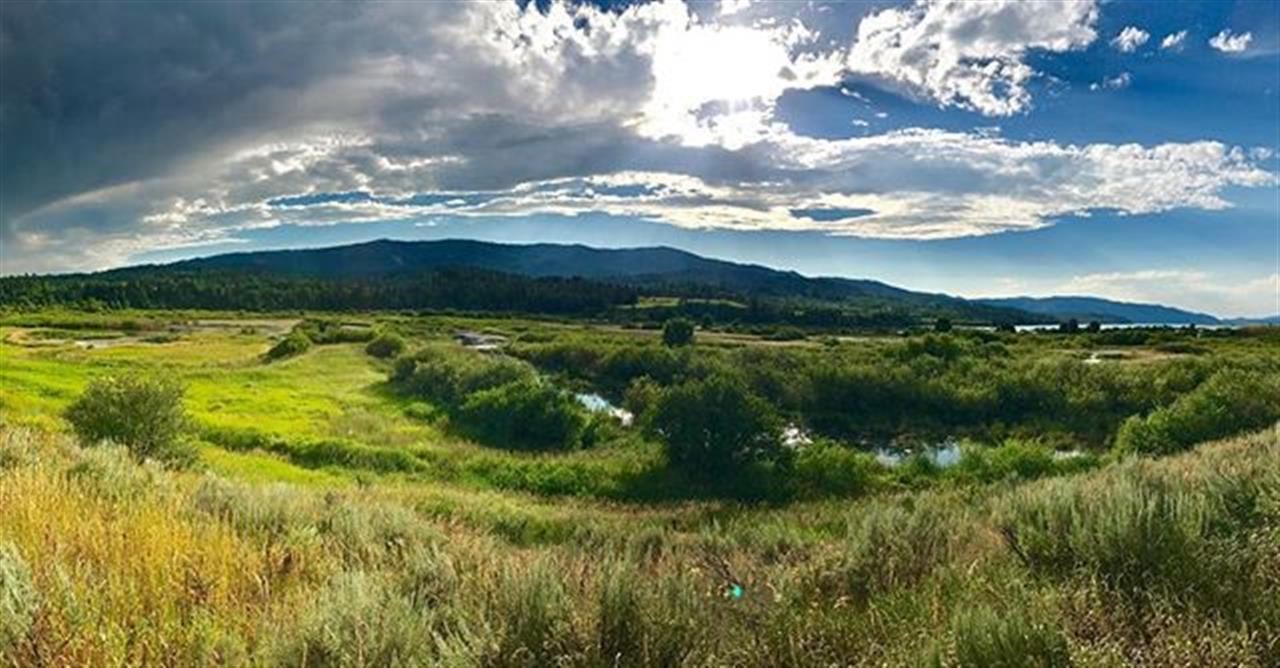 After the rain scenery always makes me swoon. ? @abbylou001  #starvalleyrealestate #wyoming #palisadesreservoir #leadingrelocal