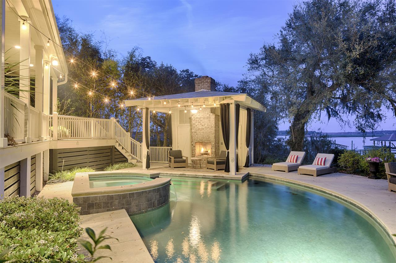 #LeadingRELocal #Beaufort #SouthCarolina #Lowcountry #outdoorliving #DeepWater #Pool #Fireplace #summertime